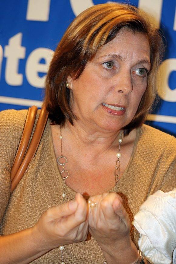 Josefina Vidal responde preguntas a la prensa. Foto: José Raúl Concepción/ Cubadebate.