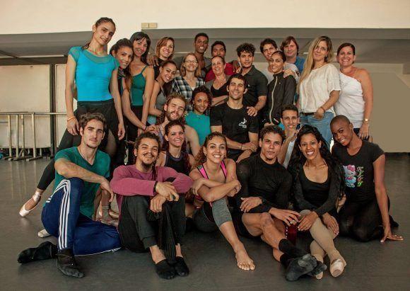 Jodie Foster visita sede de la Compañía Acosta Dance. Foto Facebook/Acota Danza