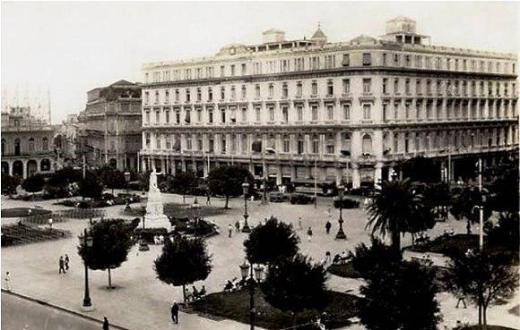 Foto de la Manzana de Gómez durante la neocolonia. Foto: Archivo.
