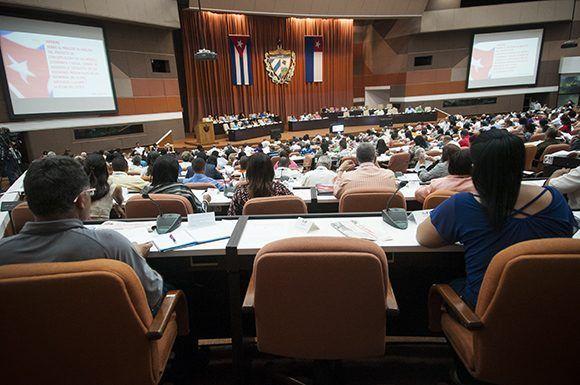 La Asamblea Nacional sesiona hoy y mañana en el Palacio de las Convenciones. Foto. Irene Pérez/ Cubadebat
