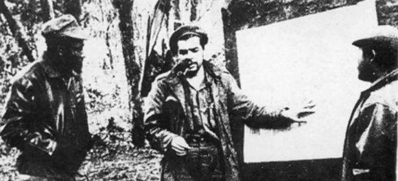 El Che ayudó a los congoleños en su preparación militar.