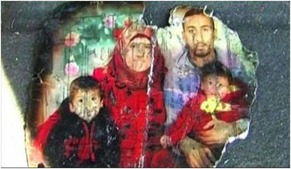 Una foto chamuscada de la familia Dawabsheh asesinada, recuperada del incendio provocado que destruyó su casa. Foto: Rebelión.