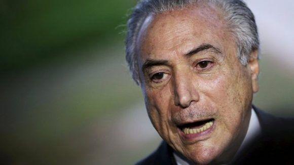La policía brasileña tiene evidencia sobre los sobornos que recibió Michel Temer, el presidente de facto podría salir del cargo durante la investigación. Foto: Reuters.
