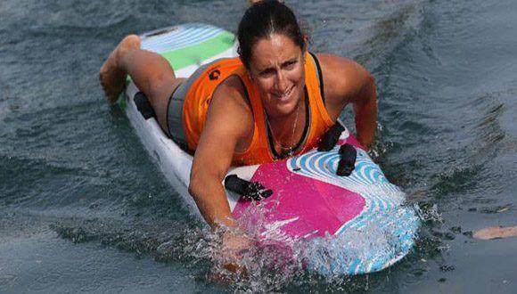 Aguilar, una salvavidas de Miami de 33 años de edad dedicada a este deporte desde hace tres lustros. Foto: AP.