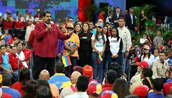 """Maduro: """"una de las primeras decisiones de la ANC será aprobar una ley para establecer una comisión por la verdad, para la paz y la reparación de las víctimas"""". Foto: AVN/ Archivo."""
