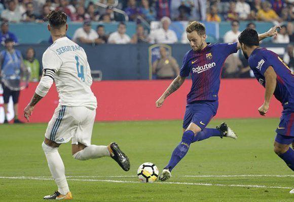 El croata Ivan Rakitic marcó el segundo tanto del Barça apenas al minuto 7' con un bombazo. Foto: EFE.