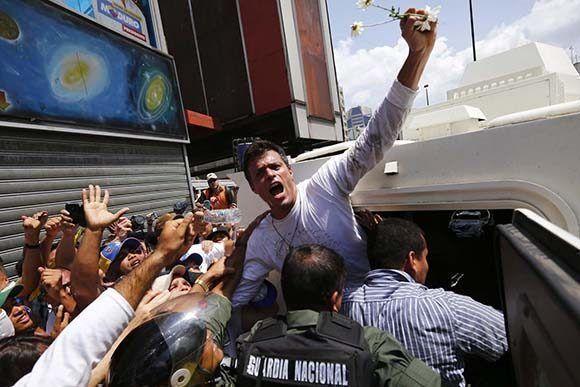 De la biografía de Leopoldo López muchos quieren borrar varios episodios. Foto: Reuters.