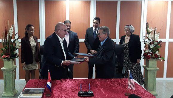 El memorando fue rubricado por el Capitán José Joaquín Prado Falero, Director General de la Administración Marítima de Cuba y por el señor Ricky W. Kunz, Director Comercial de la Autoridad Portuaria de Houston.