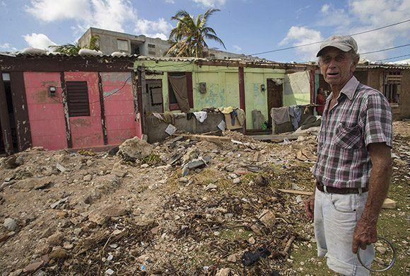 Osmelio Guerra es el presidente del CDR. Foto: Ismael Francisco/ Cubadebate.