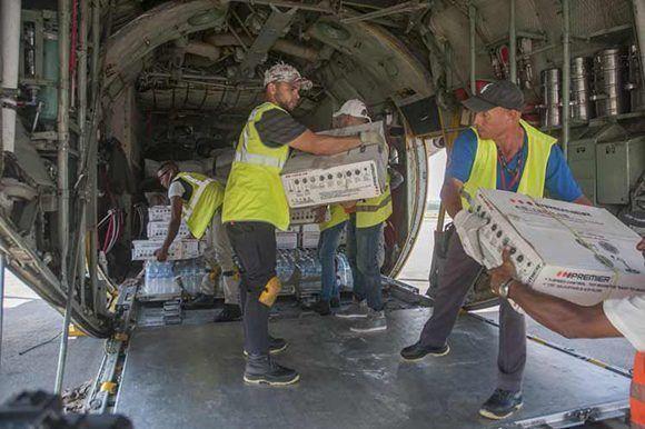 Llegada de la ayuda humanitaria de Bolivia, tras el paso de Huracán Irma por Cuba. Foto: Prensa Latina.