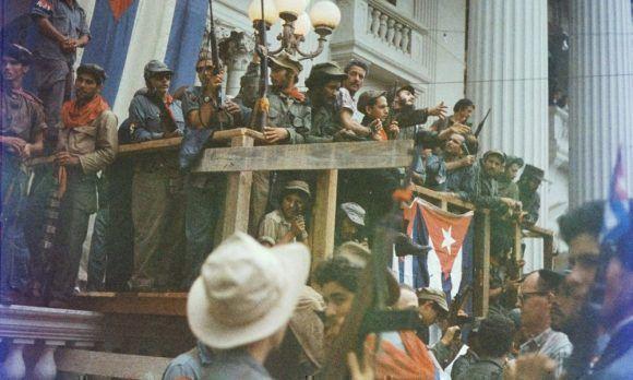 Fidel le habla al pueblo de Santa Clara el 6 de enero de 1959. Foto: Lee Lockwood