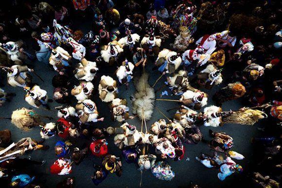 """El tercer puesto de """"Gente"""" ha sido ocupado por esta fotografía tomada durante la tradicional mascarada de invierno que se celebra en Silió (Cantabria). """"La Vijanera"""" de feelingmovie."""