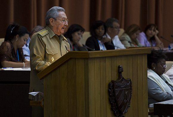 El presidente cubano Raúl Castro en el parlamento cubano. Foto: Irene Pérez/ Cubadebate.