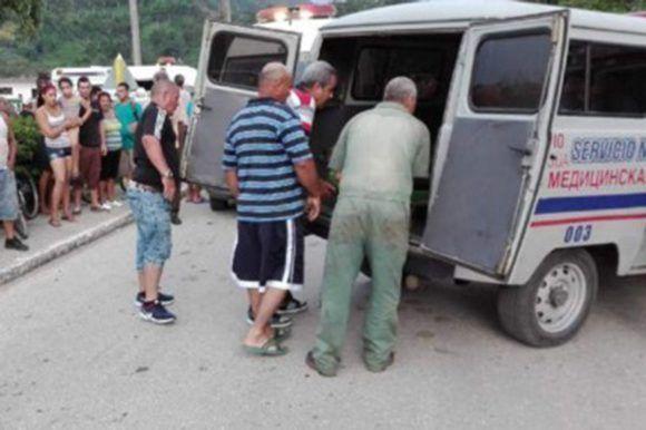 El accidente ocurrió en la carretera que va hacia Topes de Collantes, exactamente en el Puente del Junco. Foto: Tomada de CMHW.