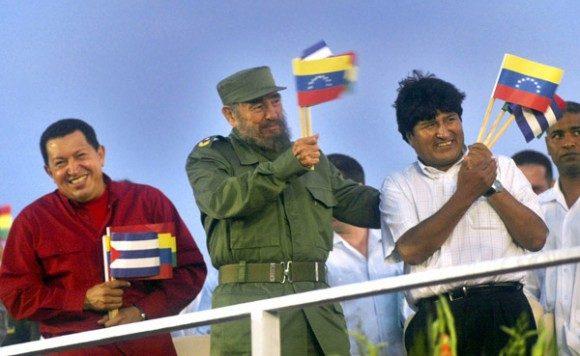 CChávez junto a Fidel y Evo en la Plaza de la Revolución Cubana. Foto: Ismael Francisco/ Cubadebate