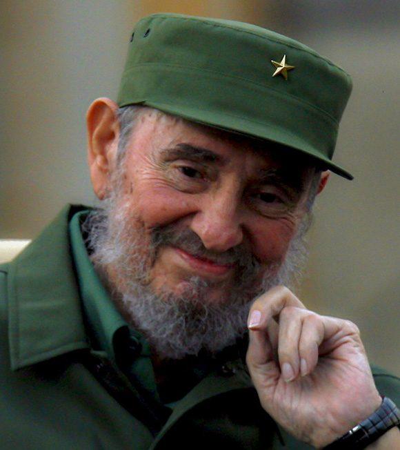 Fidel en el acto de celebración del aniversario 50 de los CDR. Foto: Ismael Francisco/ Cubadebate.