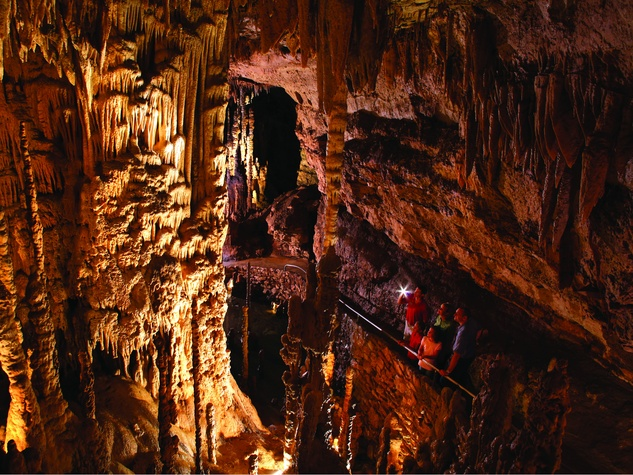 Natural Bridge Caverns