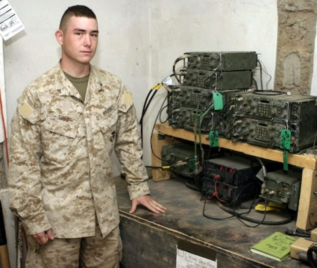 Oklahoma Radio Operator Keeps Marines Tuned In 2nd Marine Division News Article Display