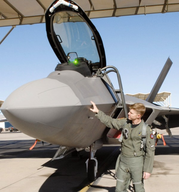 'Top Gun' instructor helps with Raptor integration > U.S ...