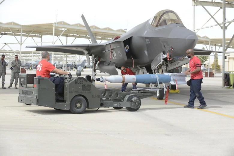 Air Force F 35 Maintainance
