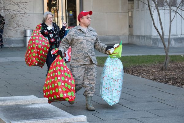Pennsylvania National Guard helps bring joy > 193rd SOW ...