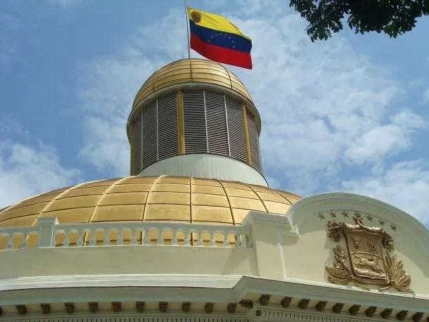 Resultado de imagen para foto del parlamento venezolano