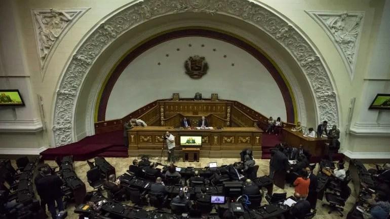 El acuerdo de la AN contempla además crear una Comisión especial encargada de documentar exhaustivamente las violaciones al proceso electoral perpetradas por el CNE y el resto de órganos del Estado que están al servicio del Ejecutivo.