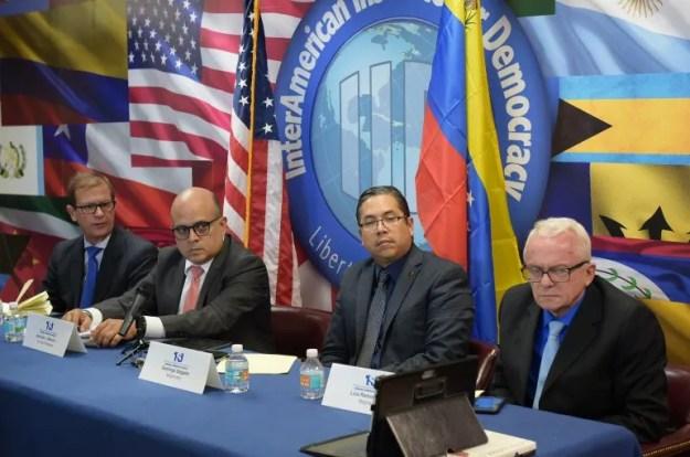Magistrados del TSJ en el exilio sesionan en Miami.