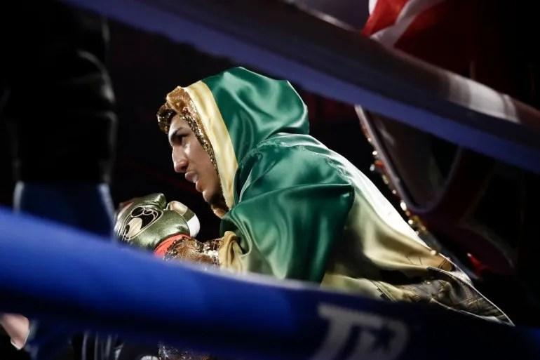 En esta foto de archivo del 20 de abril de 2019, se muestra a Teofimo López antes de un combate de boxeo por el campeonato de peso ligero de la NABF contra el finlandés Edis Tatli, en Nueva York