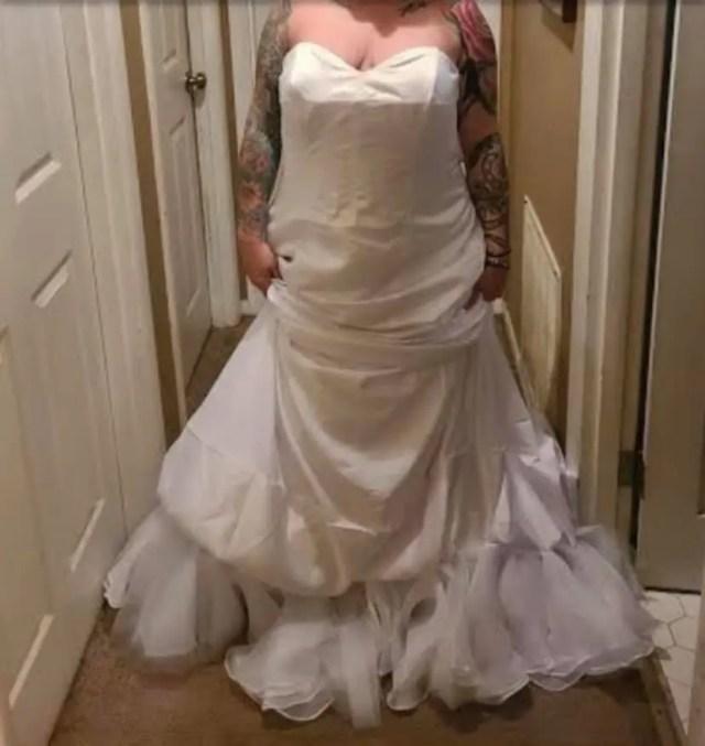 5-wedding-dress-1605277038308.jpg