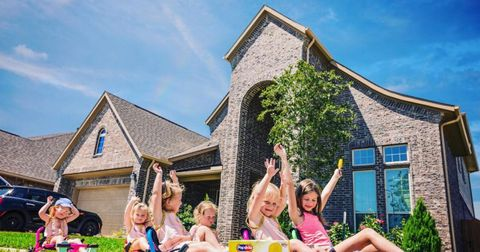 outdaughtered-old-house-1591120112064.jpg