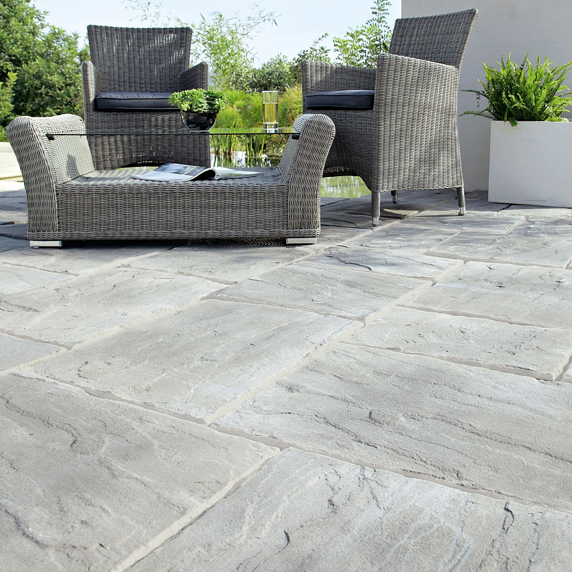 weathered grey wetherdale single paving slab l 600mm w 450mm
