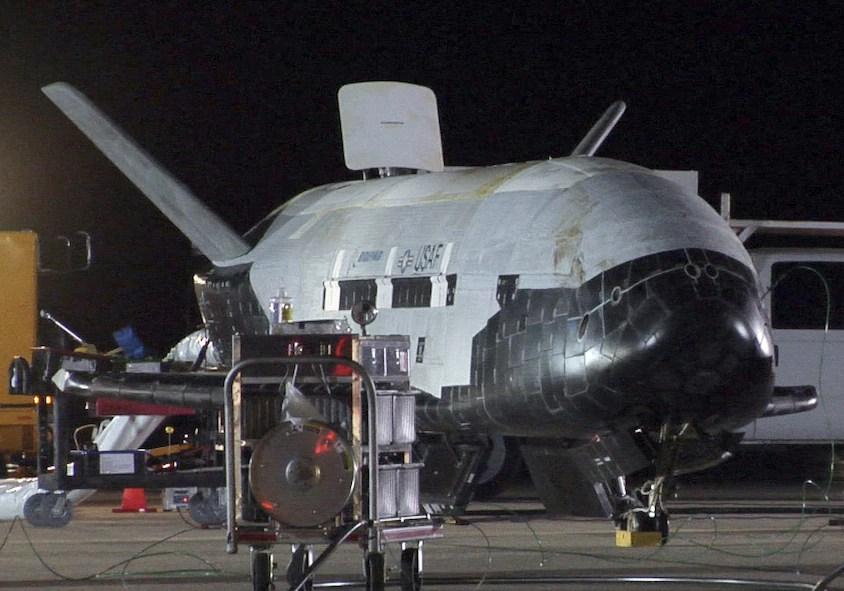 US X-37B aircraft