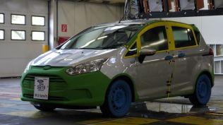 crash test ford b-max koln (401)
