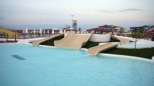 la plaja divertiland militari chiajna outlet aqua park bucuresti (136)