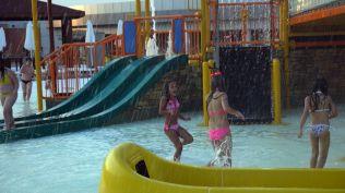 la plaja divertiland militari chiajna outlet aqua park bucuresti (53)