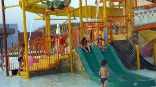 la plaja divertiland militari chiajna outlet aqua park bucuresti (64)