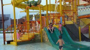 la plaja divertiland militari chiajna outlet aqua park bucuresti (65)