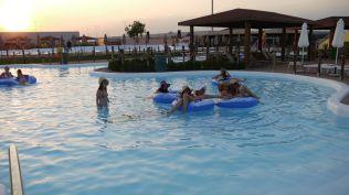 la plaja divertiland militari chiajna outlet aqua park bucuresti (87)
