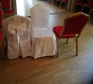 Överdrag till stolar finns att hyra