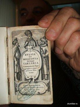 Cele mai mici cărți din România 8