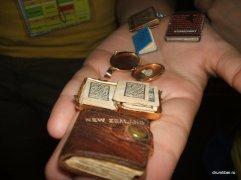 Cele mai mici cărți din România 1