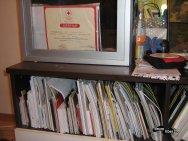 Deasupra se vede certificatul de la Crucea Roșie
