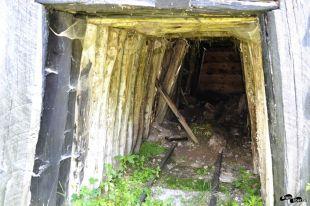Vechea intrare în mină