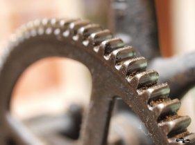 Detaliu - roată la mașina veche de cusut