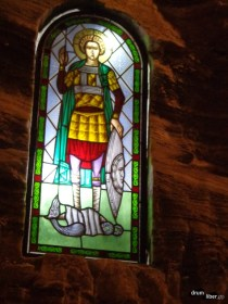 Vitralii în biserica salinei