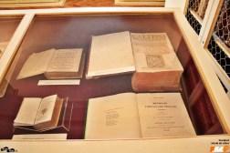 Dicționare vechi și alte cărți valoroase