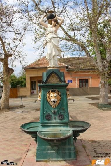 """Fântâna lui Momacu a costat 8000 de florini în 1897, """"afundă"""" de 341 de metri"""