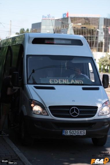 Microbuzul care vă duce și aduce gratis în timpul verii