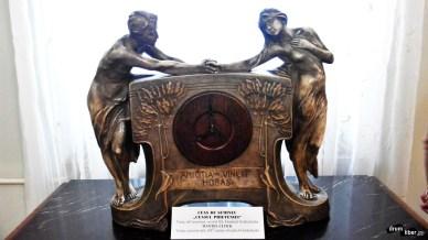 Imagini pentru colectia de ceasuri de la muzeul de ceasuri ploiesti